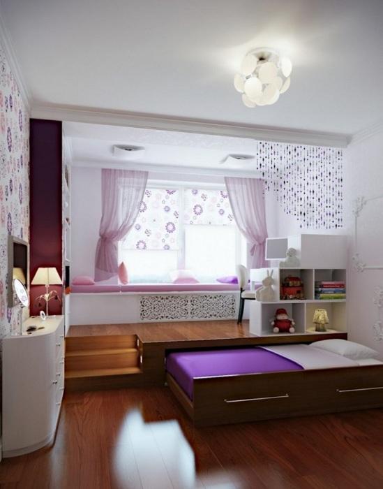 Интересная идея спального места, которое не будет мешать вам среди дня.
