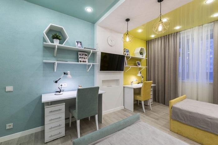 Хороший вариант для детей разного пола, у каждого свое рабочее место и цвета комнаты на их выбор.