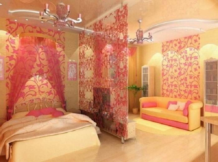 Сам вид комнаты уже показывает мягкость, стиль и женственность.