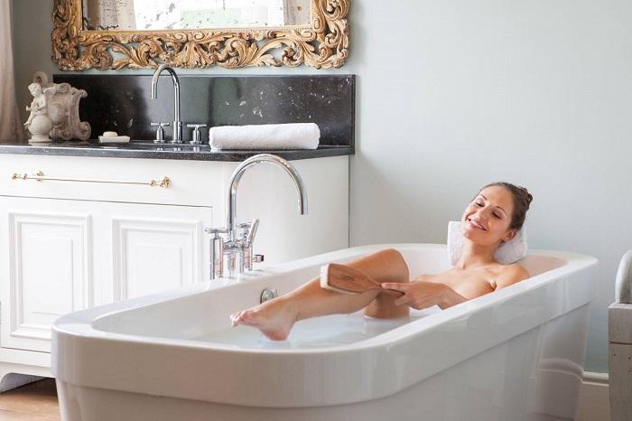 Приготовьте такой раствор: 250 мл 35%-го средства, добавьте в вашу ванну, после принятия ванны примите легкий душ.