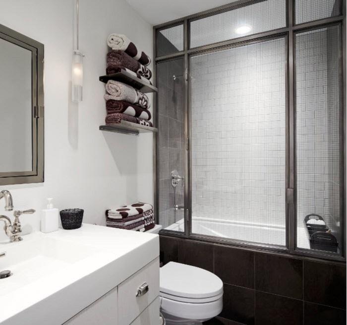 Если место ограничено, тогда можно ванную и душевую сделать одним целым.