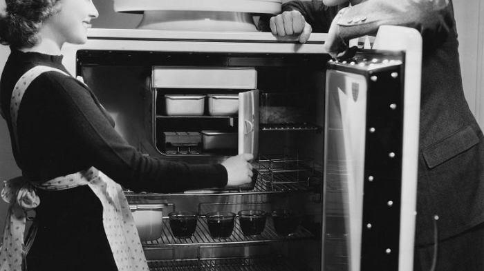 До сих пор идут споры о том, кто придумал и изобрёл холодильник. \ Фото: funniest.ru.