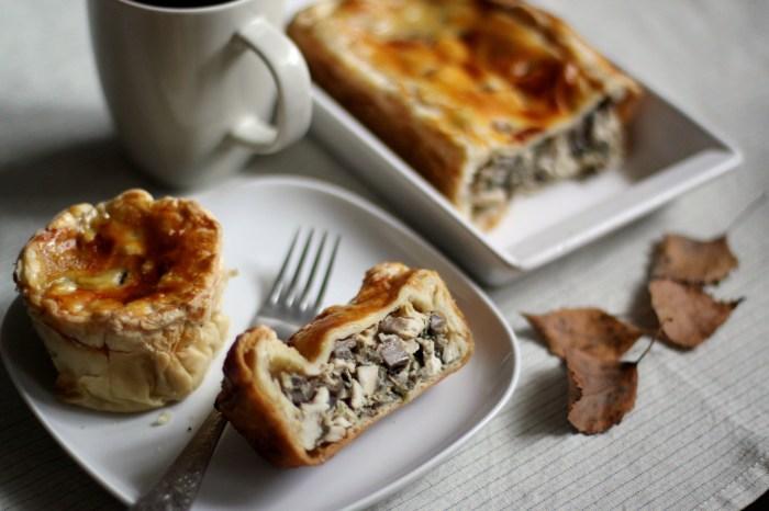 Пирог с курицей и грибами. \ Фото: eda.ru.
