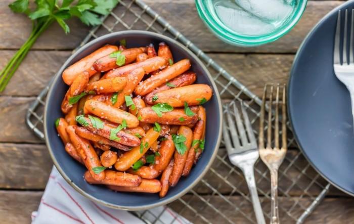 Печёная морковь. \ Фото: dama.bg.