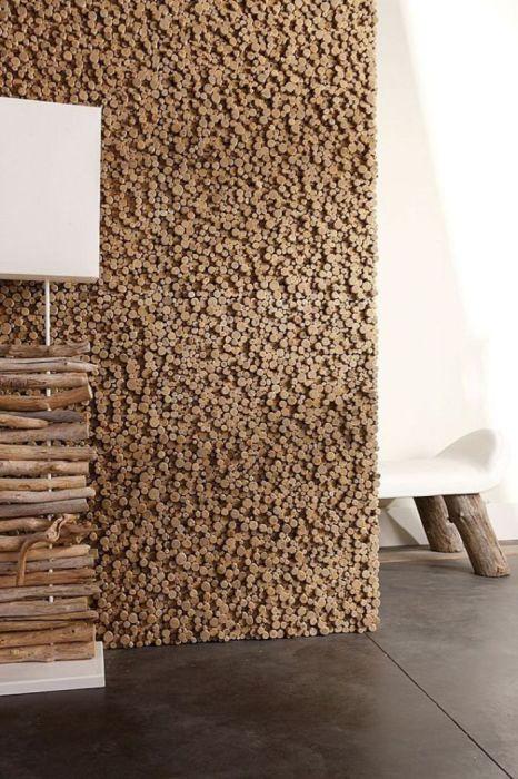 Для производства декоративных панелей чаще всего используют «живые» и дышащие материалы.