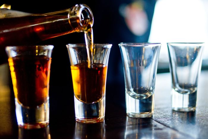 Алкоголь. \ Фото: sharij.net.