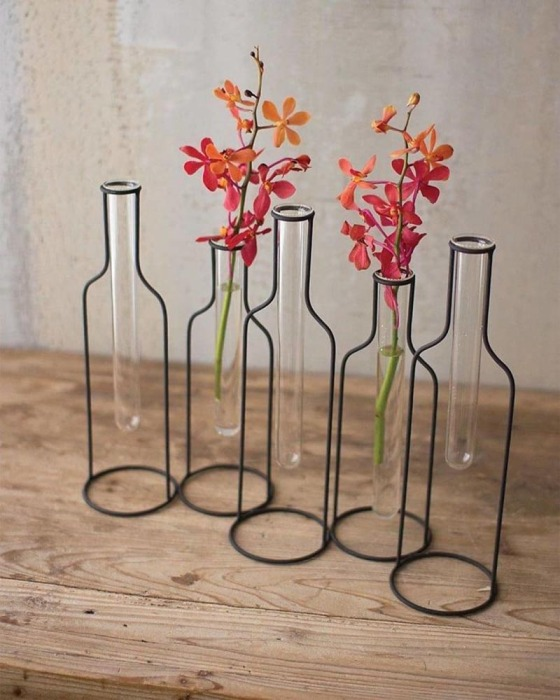 Колбы-вазы для цветов. \ Фото: barcodemagazine.vn.