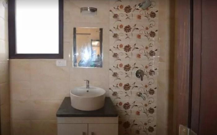 Три ванных комнаты.