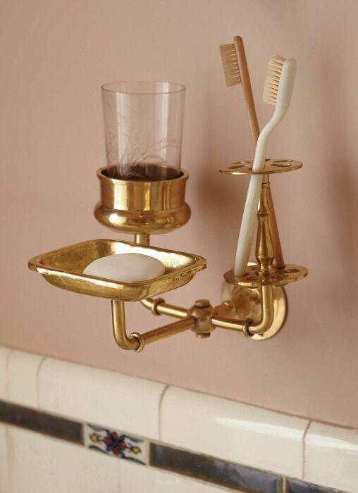 Металлический декор для ванной комнаты. \ Фото: pinterest.com.