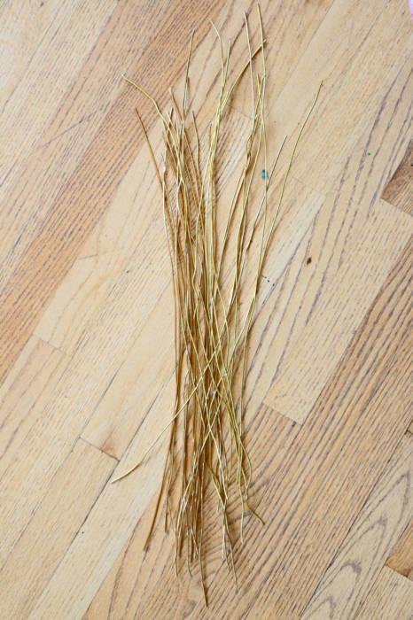 Равномерно нарезанная проволока. \ Фото: blitsy.com.