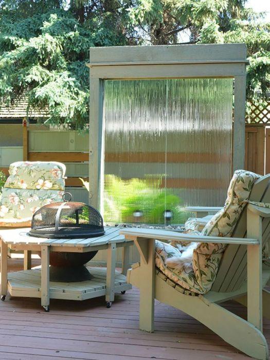 Фонтан водная стена. \ Фото: interiorfrugalista.com.