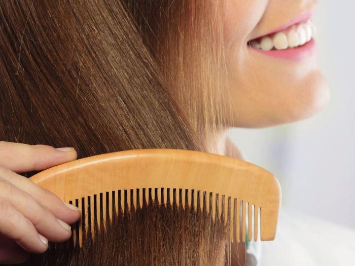 Правильно расчёсывайте волосы. \ Фото: svetlori.ru.