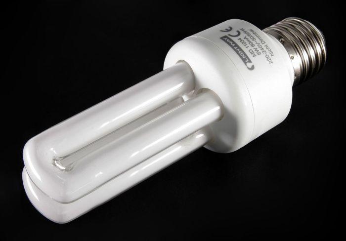 Энергосберегающие лампочки. \ Фото: forum.domik.ua.