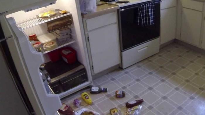 Видимо, это проделки привидения. \ Фото: youtube.com.