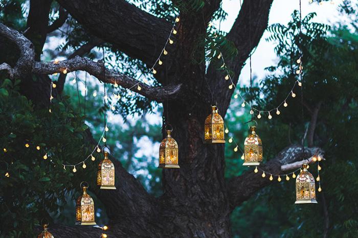 Оригинальное освещение для романтической обстановки.