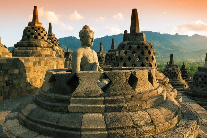 Буддийская ступа.