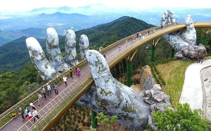 Золотой мост во Вьетнаме. \ Фото: m.insight.co.kr.