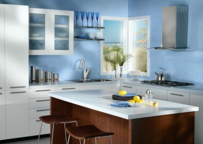 Комбинируйте цвета и оттенки. \ Фото: kitchendizajn.ru.