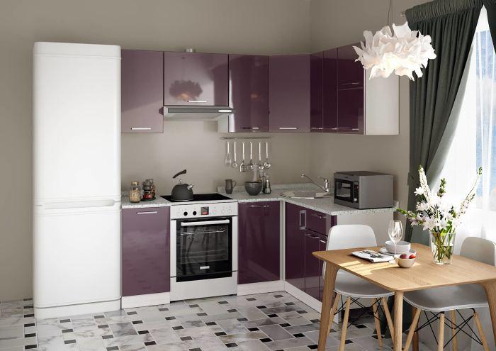 Кухонная мебель цвета баклажана. \ Фото: meb100.ru.