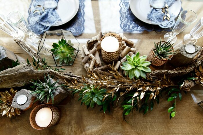Суккуленты как элемент декора праздничного стола. \ Фото: the-wedding.ru.