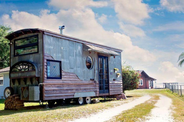 Мобильный дом на колёсах.