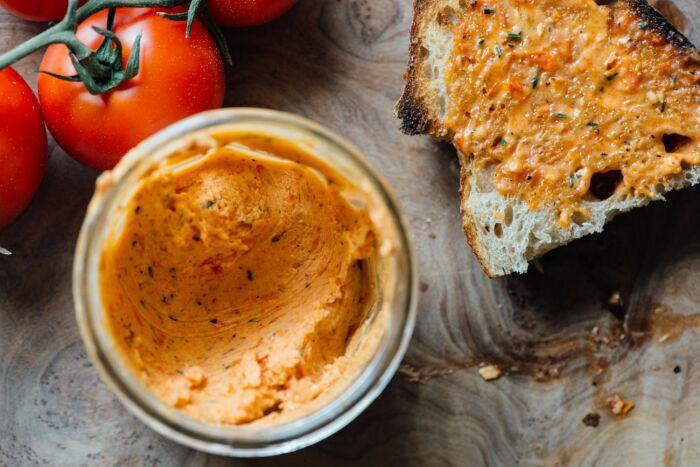 Масло из помидоров. \ Фото: pinterest.com.