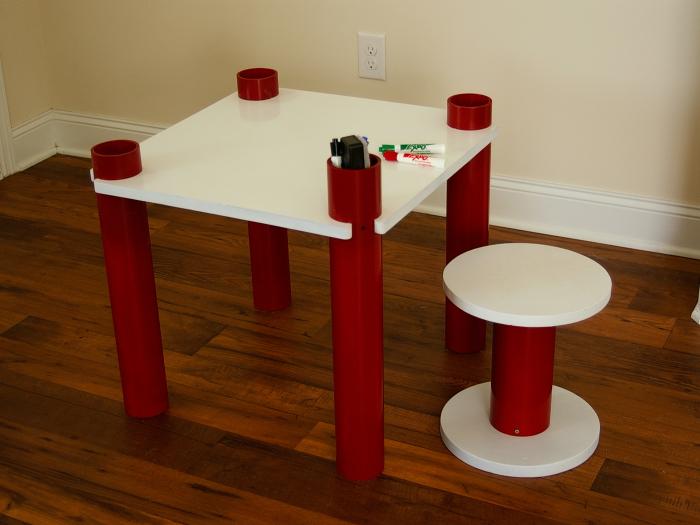 Детская мебель из ПФХ труб. \ Фото: makezine.com.