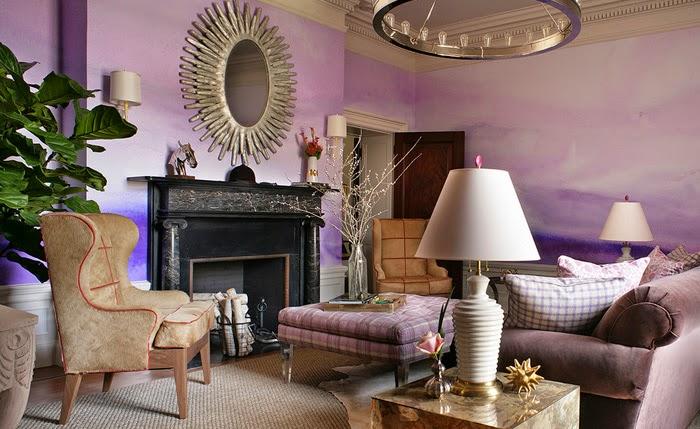 Акварельный пейзаж на всю стену – прекрасный элемент декора гостиной.