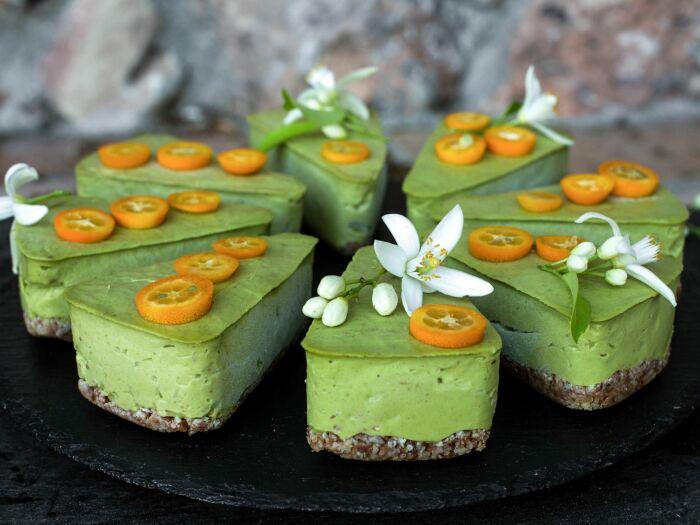 Пирожные из авокадо. \ Фото: pinterest.ru.