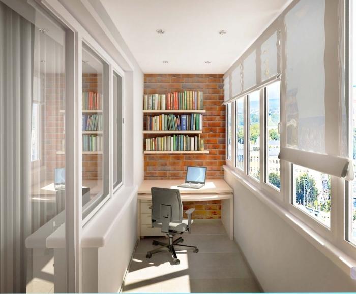 Также следует провести на балкон проводку, чтобы можно было сидеть за работой и в тёмное время суток.