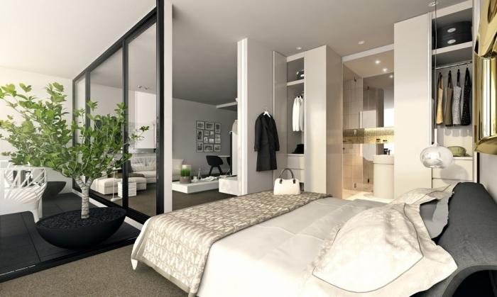 Современный дизайн лоджии, объединённой со спальней.