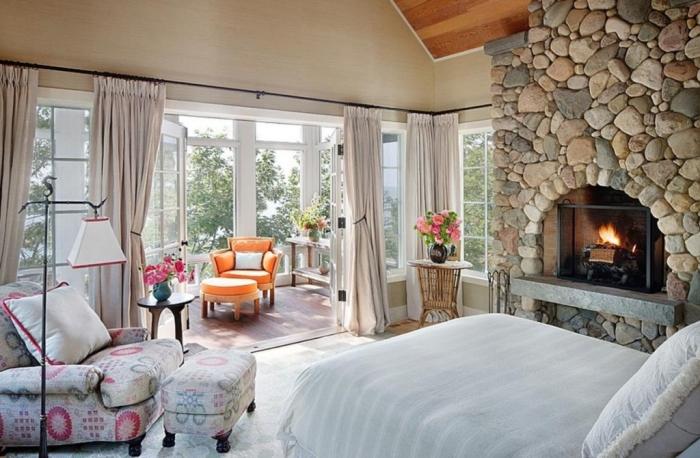 Дизайн балкона в спальне призван дарить хорошее настроение.