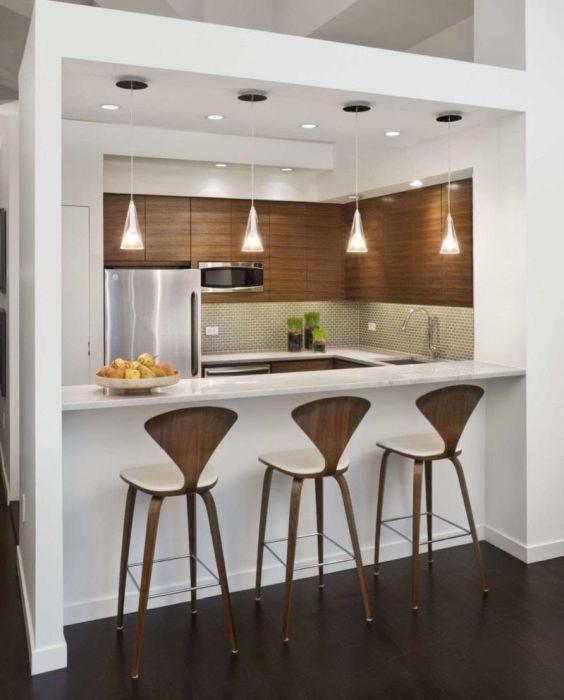 Современная стойка для небольшой кухни.