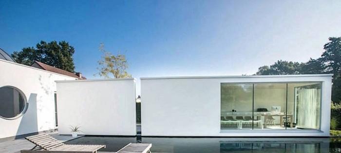 К тому же, подобные модульные дома можно соединять с другими блоками, чтобы максимизировать пространство и точки доступа естественного света.