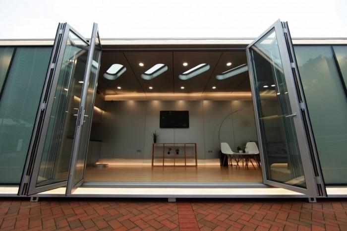 Этот дом можно использовать для ведения бизнеса, например, в качестве офиса, мобильного магазина, студии, выставочного зала или что вам подскажет ваша фантазия.