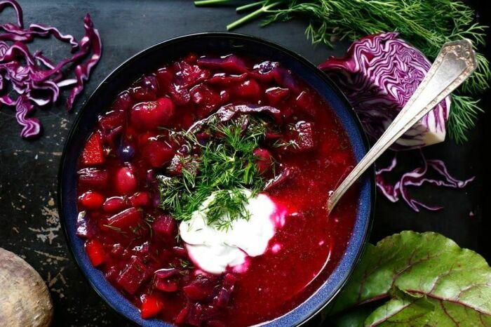 Борщ с фасолью. \ Фото: pinterest.com.
