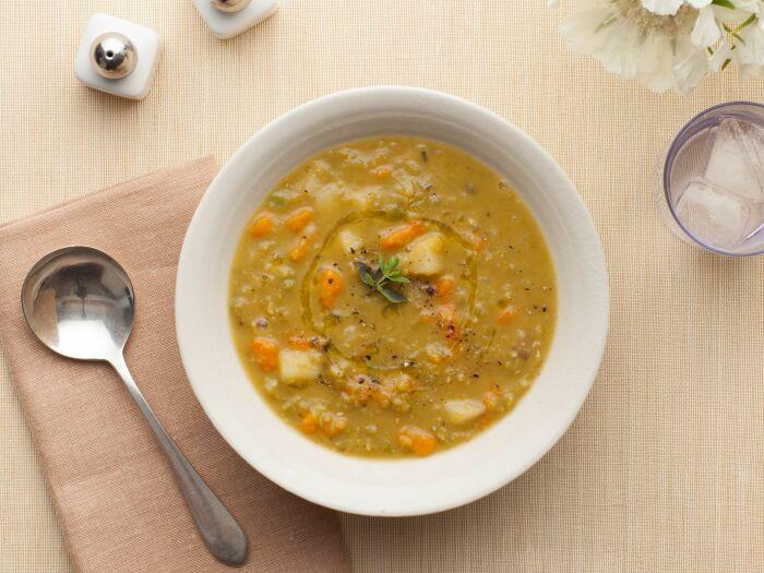 Гороховый суп с брокколи. \ Фото: pinterest.co.kr.