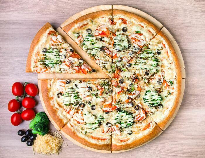 Овощная пицца. \ Фото: sk716.ru.