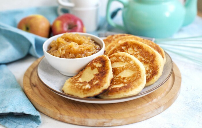 Сырники с яблоками. \ Фото: goodfon.com.