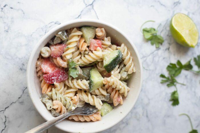 Макаронный салат. \ Фото: google.com.