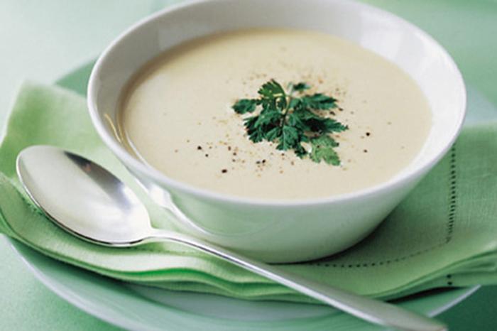 Суп с плавленым сырком. \ Фото: gourmandize.com.