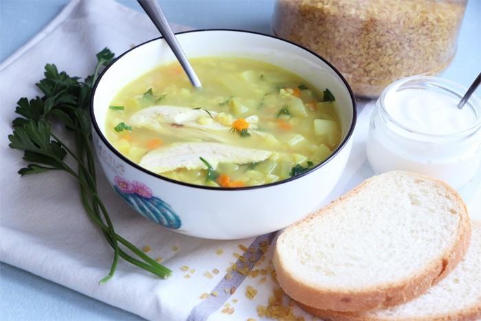 Пикантный куриный суп. \ Фото: yandex.ua.
