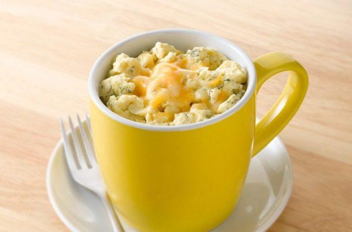 Макароны с сыром в чашке. \ Фото: podrobnosti.ua.