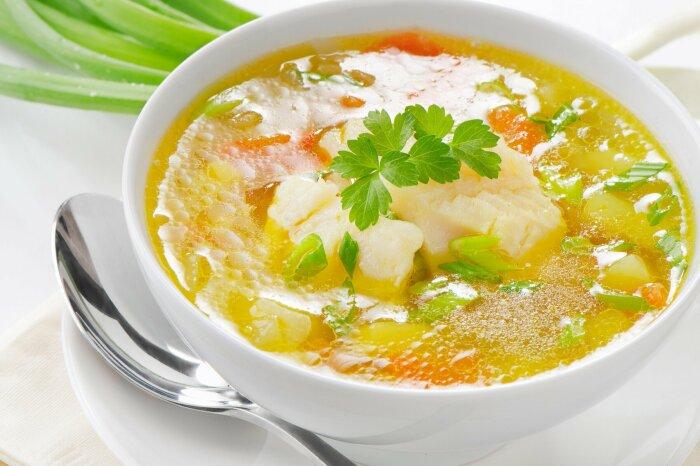 Суп с рыбкой и пшеном. \ Фото: worldrecipes.eu.