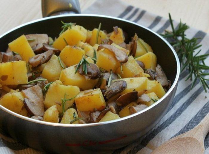 Куриные желудочки с картофелем. \ Фото: google.com.