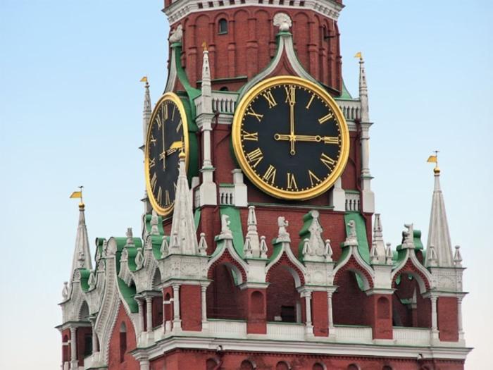 Кремлёвские Куранты появились на свет в 1851 году, установлены на Спасской башне Московского Кремля, Россия.