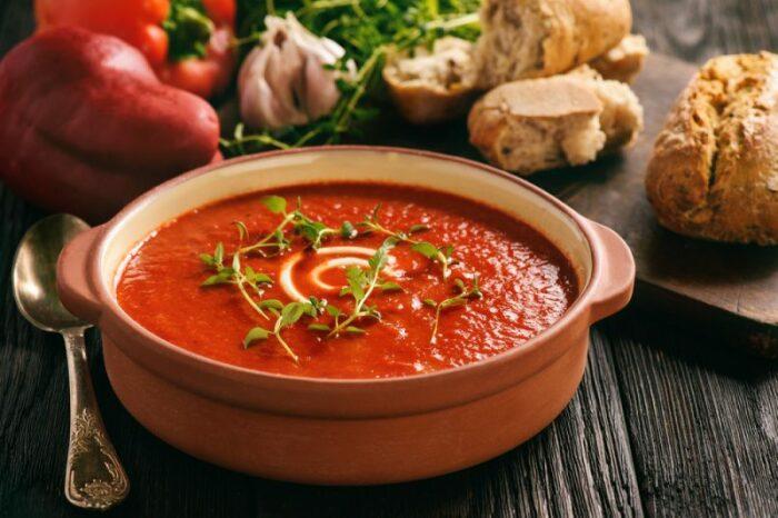Холодный суп из помидоров. \ Фото: bozskejidlo.cz.