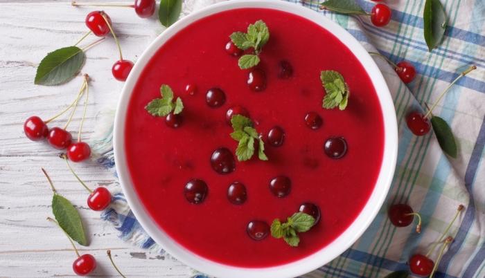 Вишнёвый суп. \ Фото: hthayat.haberturk.com.