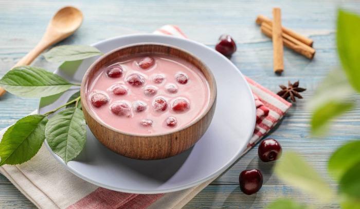 Холодный суп из вишен. \ Фото: haaretz.co.il.