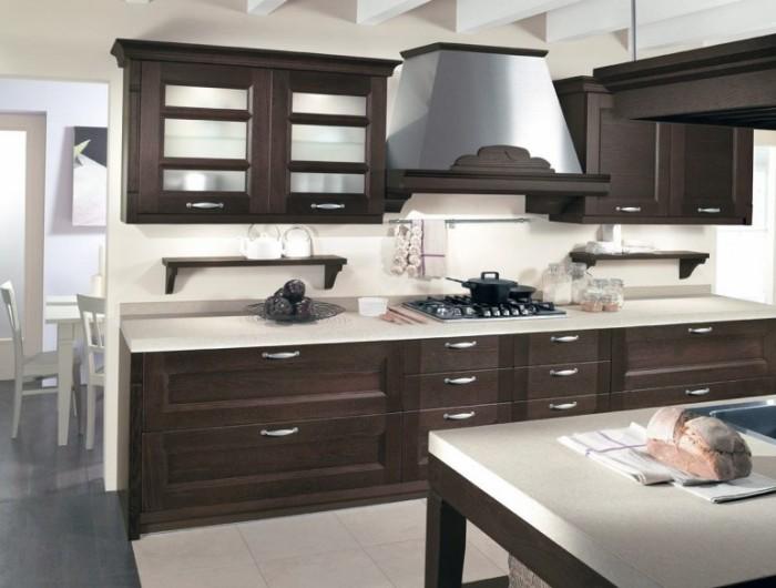 Интерьер, построенный на контрасте, радует глаз. Поэтому цвет венге на кухне в сочетании со светлым, будет отличным выбором.